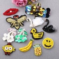 10 SZTUK Ręcznie DIY Koraliki Betonowa JewelryAccessories Lips Bee Banana Uśmiechnięta Twarz Pinapple Kaczka Swan Kwiat Przycisk Patch Naklejka