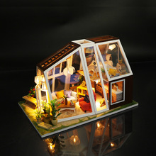 DIY Miniature Doll House Handmade Wooden Dollhouse Aurora Lodge With Dust Cover Light Doll House Toys For Children