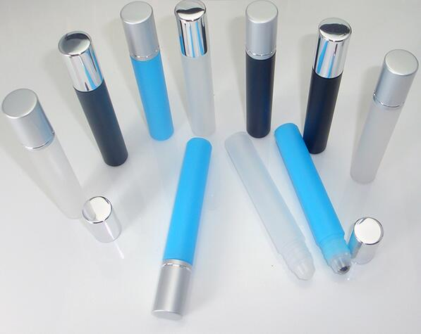 30/70pcs 8ML plastic roll on Bottle/steel bead ball Sample Perfume Vial,Small Essential Oil bottle Lip oil metal cap black/blue golf ball sample display case