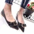 2017 Новый Дамы Плоские Туфли Красный Скольжения на Обувь для Женщин Острым Носом Металлические Украшения Патент PU