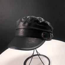 Otoño Invierno sombreros o negro de las mujeres de cuero de la PU militar  sombrero Gorras Planas Snapback Gorras mujer gorra tap. 61a444db5a9