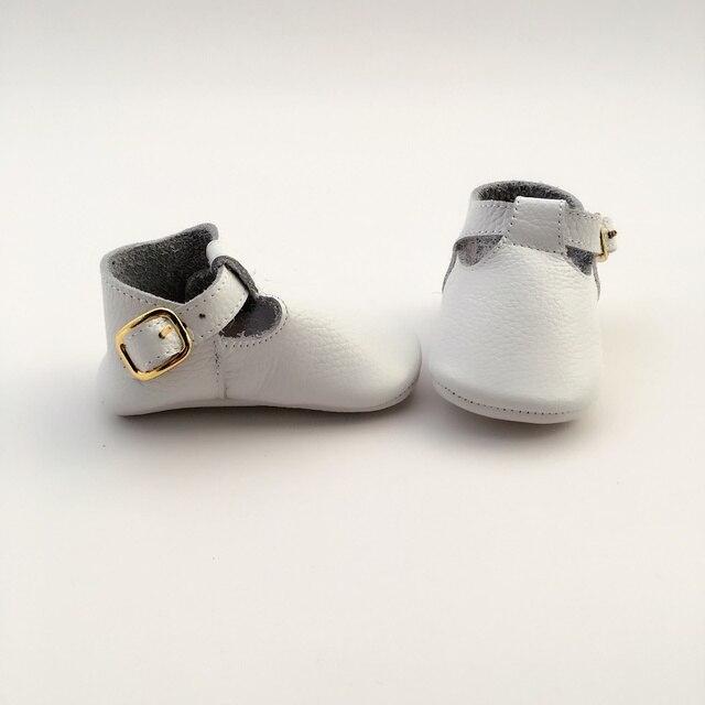 2017 hot moda Branco T-bar com fivela de ouro 100% De Couro Geninue estilo Infantil bebê mocc
