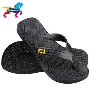 Image 3 - Hotmarzz גברים כפכפים חוף סנדלים שטוחים מעצב כפכפים קיץ נעלי אופנה שקופיות כפכפים גומי Zapatos Hombre