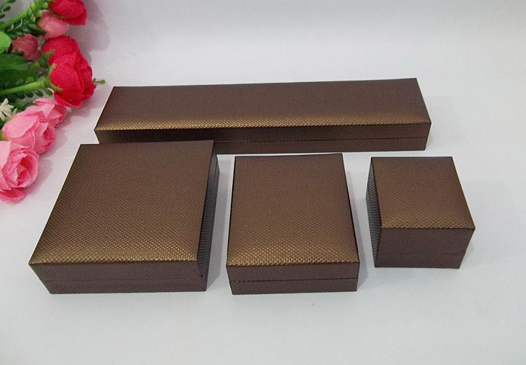 Free shipping Brown Engagement Jewelry Box Set Gift Jewellry Packaging Boxes Necklace Bracelet Pendant Earring Ring Storage Case