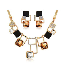Trendy Jewelry sets New Fashion Gold color Filled Rhinestone Crystal Acrylic Geometric Necklace Earring Jewellery Set