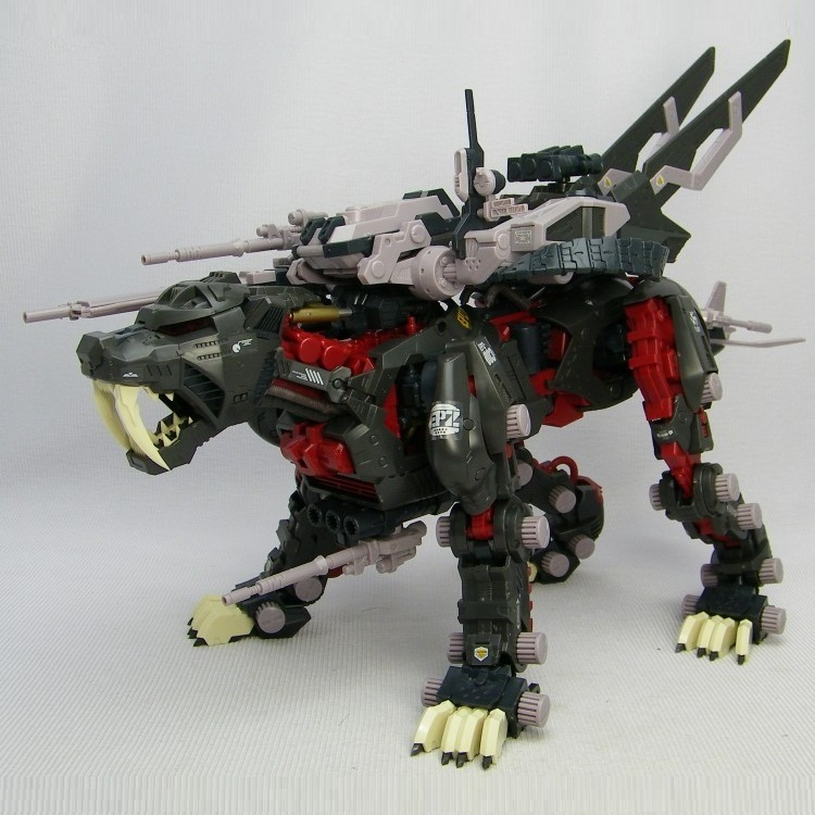 BT Model Building Kits: ZOIDS EPZ-003 Black Great Saber Tiger 1:72 Scale Full Action Plastic Kit Assemble Model Christmas Gifts