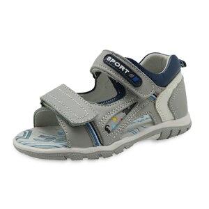 Image 1 - Apakowa erkek hakiki deri sandalet çocuklar burnu açık düz ayakkabı yürümeye başlayan çocuklar için yaz ortopedik plaj sandaletleri kemer desteği ile