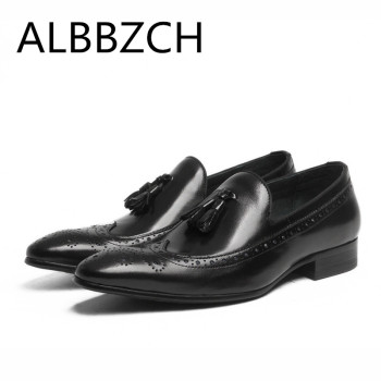 Pointed toe slip on mens dress shoes fashion tassel formal suit wedding shoes men male brogue carving business office work shoes