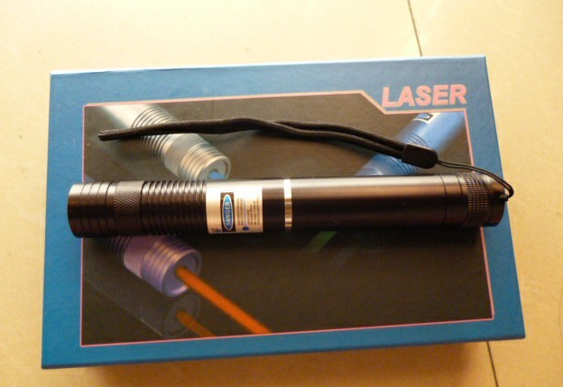 NEW Military high power - 6000mw 6w blue laser pointers 450nm burning match/cigarettes/wood+5 caps+changer+gift box