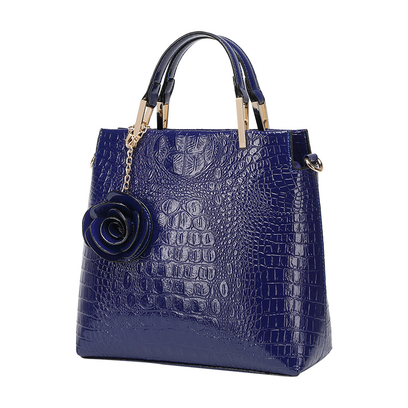 Alligator Designer Bags Famous Brand Women Bag 2018  Women  Ladies Hand Bags  Totes  Flowers  Shell Shoulder BagAlligator Designer Bags Famous Brand Women Bag 2018  Women  Ladies Hand Bags  Totes  Flowers  Shell Shoulder Bag