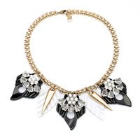 Fashion Black White Acrylic Leaves Pendants Necklace For Women Clear Glass Flowers Figaro Chain Statement Necklace