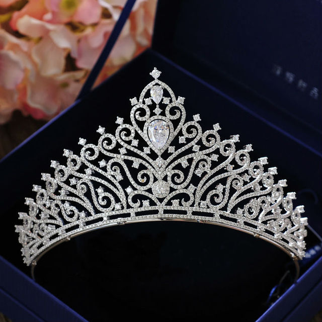 cf7ad6250b Hot European Peacock Bridal Tiara Crystal Wedding hair accessories  rhinestone designs Quinceanera Tiaras Pageant Crowns-in Hair Jewelry from  Jewelry & ...