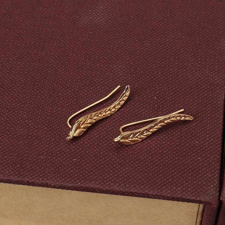 Vintage Jewelry Exquisite Gold Color Leaf Earrings Modern Beautiful Feather Stud Earrings for Women