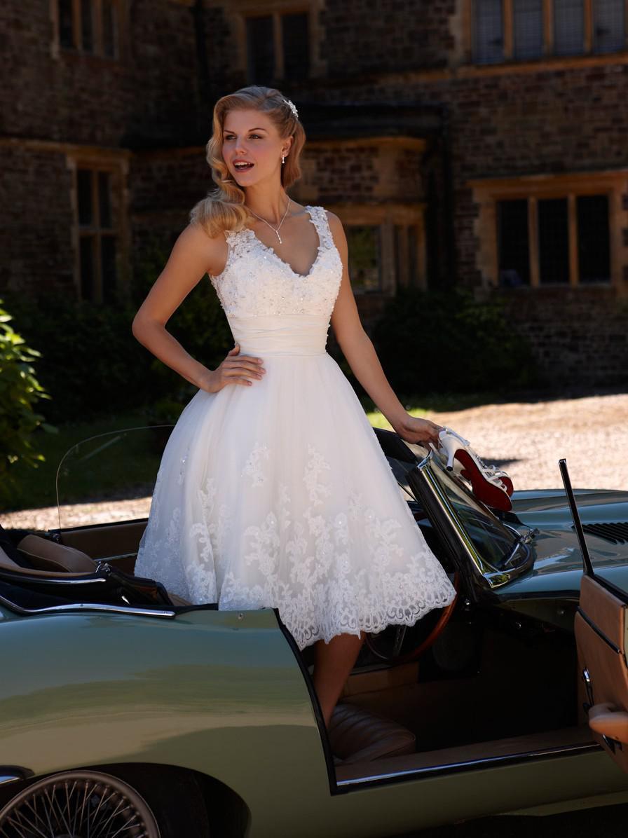 Hot sale v neck beaded lace a line tea length short for A line tea length wedding dress
