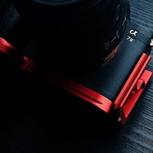 Red Quick Release L Plate / Bracket for Sony A7M3 A7R3 A9 Hand Grip Holder