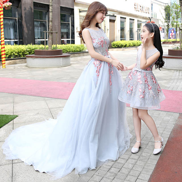 placeholder Women Girls Party Dress Mommy Kids Mom and Daughter Wedding  Dress 2018 Sleeveless Mother and Daughter 72964f8c7291