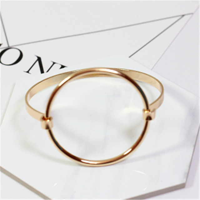 Аксессуары оптом Минимализм ветер круговое Кольцо моды браслет Моды хан издание выдалбливают круг браслет FF885