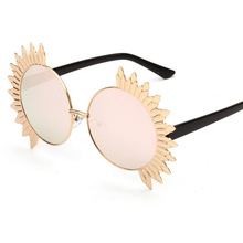 2017 New Fashion metal frame UV400 Sunglasses Women beautiful Sunflower outdoor Sun Glasses Lady Unique decoration Eyewear