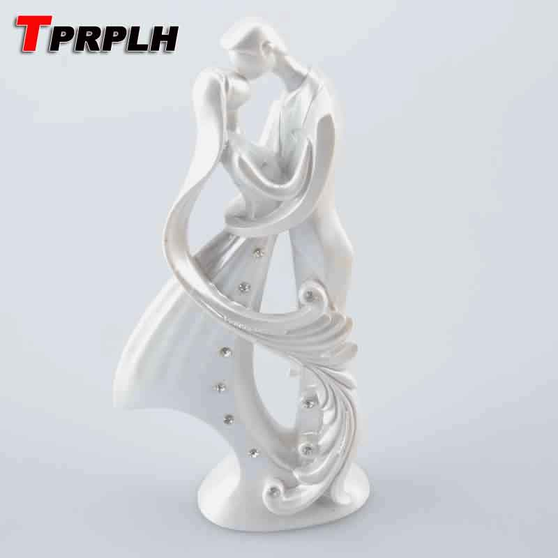 Resin bride and groom wedding cake topper cake stand for Aana decoration wedding accessories