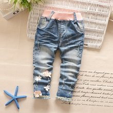 Spring Autumn Roupas Baby Girls Washed Denim Jeans Flower Lace Distrressed Full Length Pants Kids Princess Long Trousers S4160