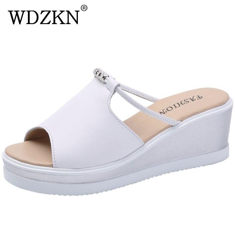 WDZKN 2018 летние дамские слипперы Обувь из спилка открытый носок снаружи на платформе шлепанцы черный, белый цвет на высоком каблуке Стразы шле...