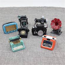 1Pc Vintage Miniature Doll House Furniture Sewing Machine Telephone Camera Ornaments Toys Fairy Garden Home Decoration