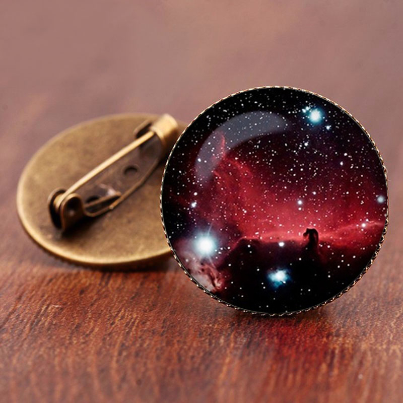 SUTEYI 2017 Sale Charming Astronomy Geek Jewelry Sci-fi Science Galaxy Brooch Gift Wholesale Outer Space Nebula Pture Brooches 5