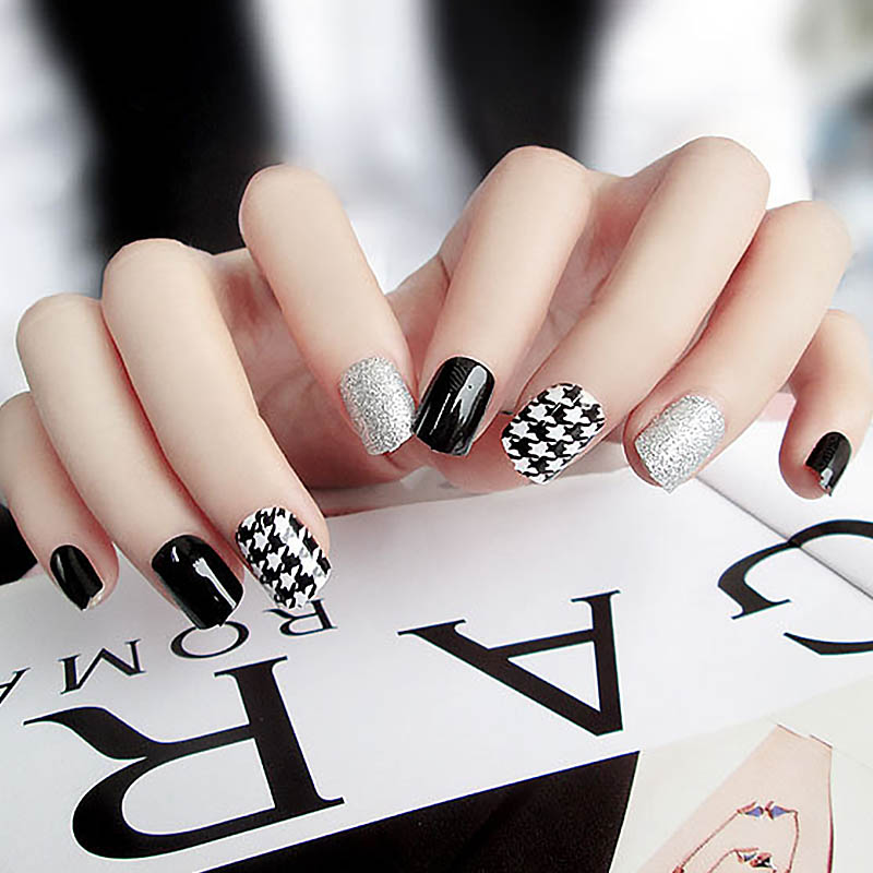Girls Simple Color False Nails Houndstooth Pattern Silver Glitter Fake Nails DIY Short Size Design Nail Art Tips With Glue