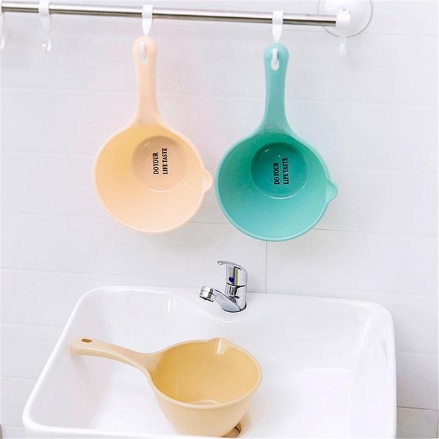 Plastic Thickened Water Scoop Kitchen Long-handle Water Scoop Shower Scoop for Baby Children
