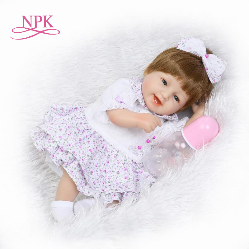 все цены на 43cm Hot sale cheap dollar Victoria adora Lifelike newborn Baby Bonecas Bebe kid toy girl soft silicone reborn baby dolls онлайн