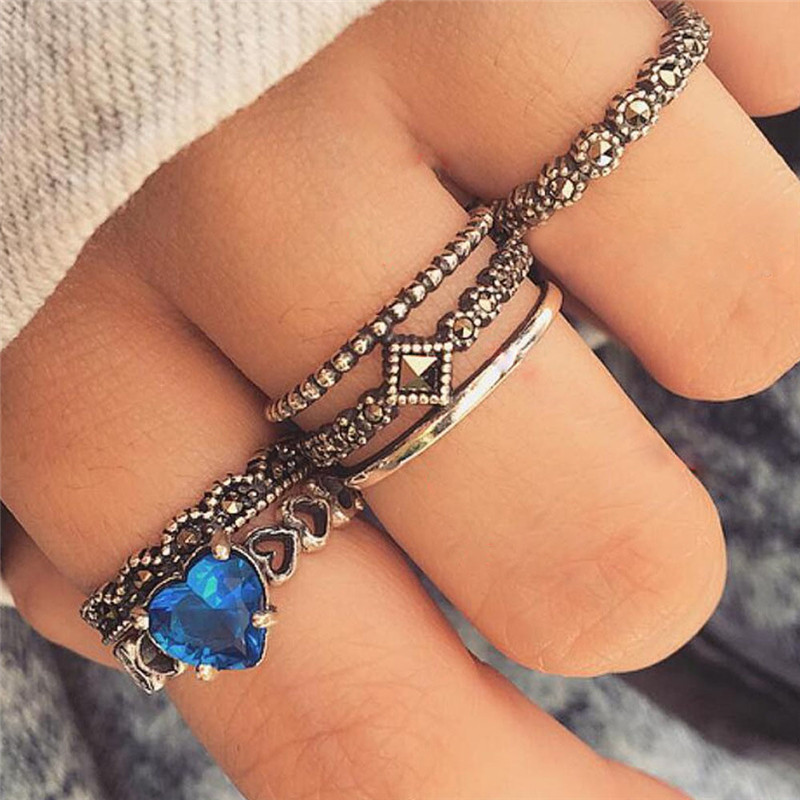 GIVVLLRY Carved Hollow Heart Midi Rings Set Fashion Jewelry Bohemian Blue Crystal Antique Silver Color Knuckle Rings for Women