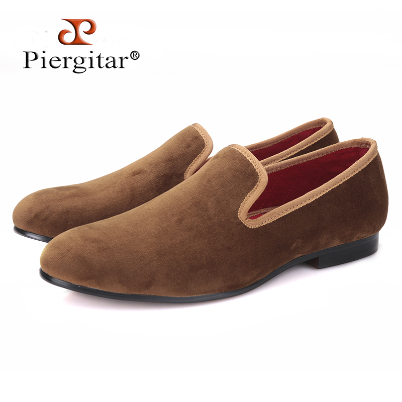 Piergitar new arrival Handmade men new style velvet flats shoes Party and Banquet men dress loafers Fashion smoking slippers все цены