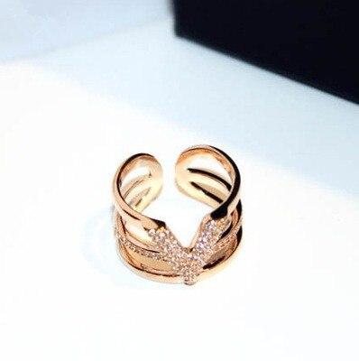 Prix pour De luxe lettre v strass anneaux réglable micro pave 3 couches or couleur anneau ouvert femmes bijoux bijoux cadeau femme
