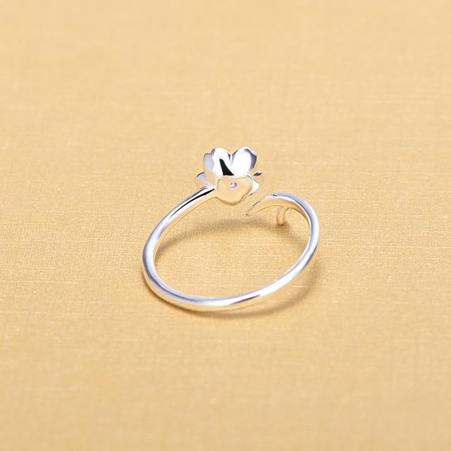 Фото женское кольцо из серебра 925 пробы с цветком вишни