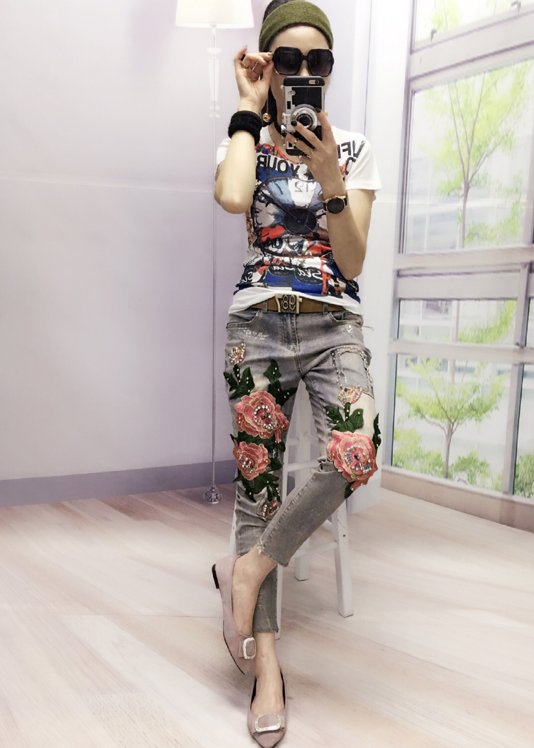 European Station Fashions Flowers Stretch  Pants Pink Flower Stitch Pearl Studded Patchwork Elegant Female Jeans цена 2017
