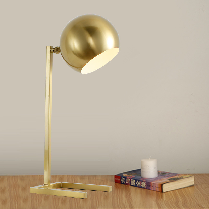 Modern metal gold table lamp personality round head  designer model room living room bedroom decorative table lamp