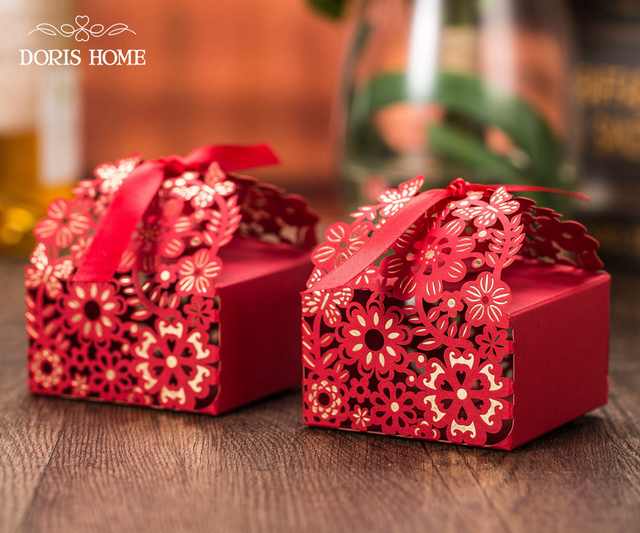 100 Pcs Free Shipping Red With Gold Flower Laser Cut Wedding Favor Boxes Candy Box