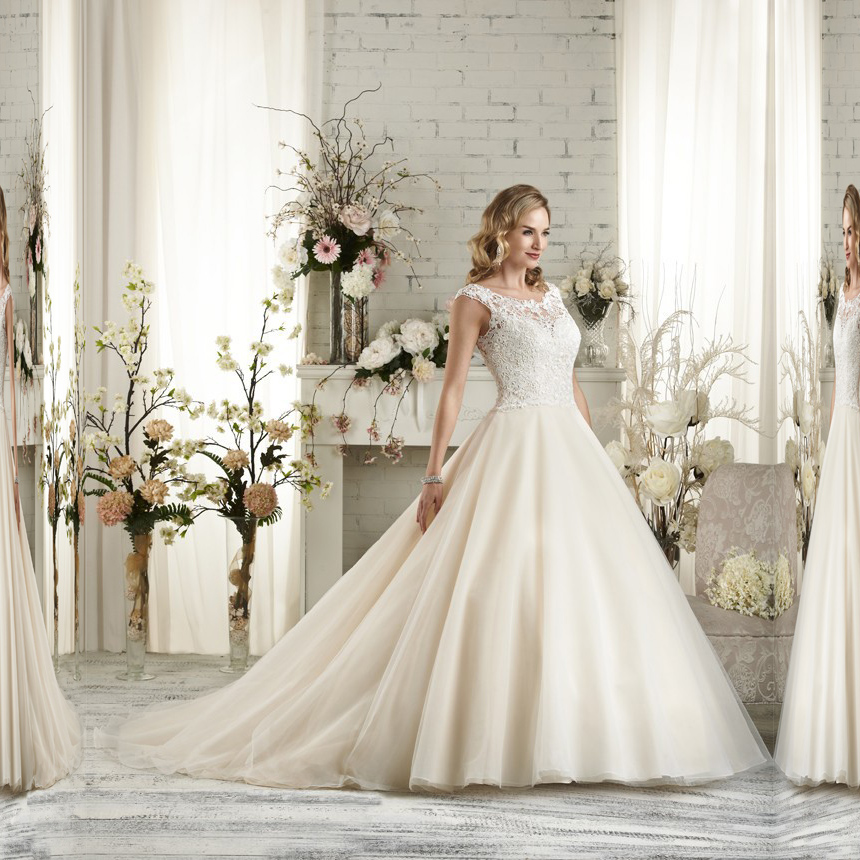 Elegant scoop neck tulle ball gown wedding dress bridal for Big tulle ball gown wedding dress