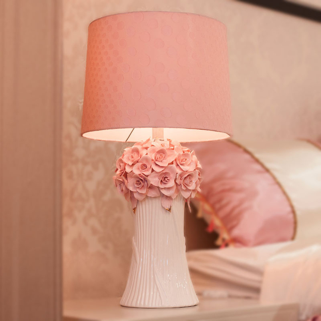 Warm Pink Flowers Table Lamps Princess Wedding Ceramic Cloth Light Creative Room Bedroom Bedside