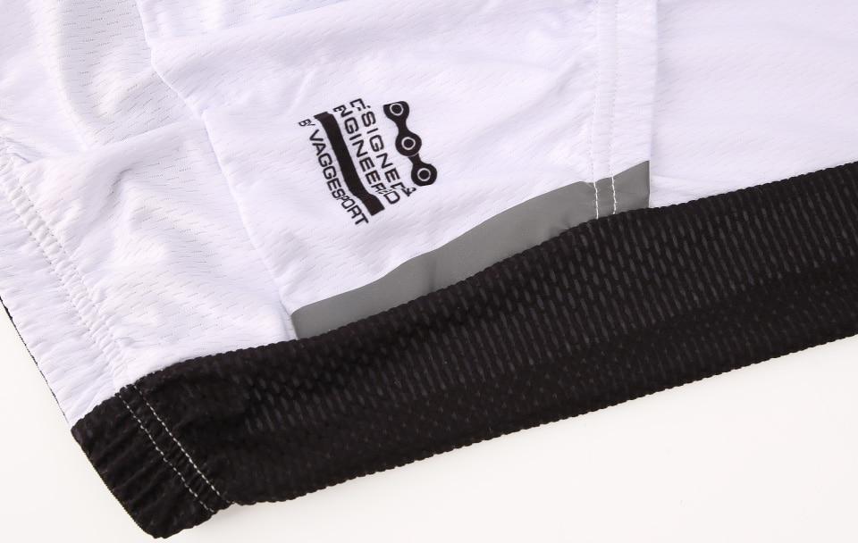 two-reflective-stripe-on-side-of-pocket
