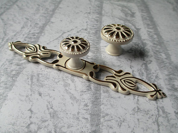 Lovely Rustic Dresser Drawer Knobs Pulls Backplate White Gold / French Cabinet  Handles Ornate / Cottage Chic