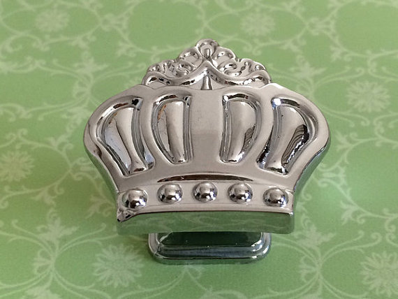 Silver Crown Knobs Dresser Knob Pulls Drawer Pull Handles Kitchen Cabinet Door Knobs Chrome Silver Kids Furniture Knob Hardware 5 drawer knobs pull handles dresser knob pulls handles antique black silver furniture hardware kitchen cabinet door handle pull