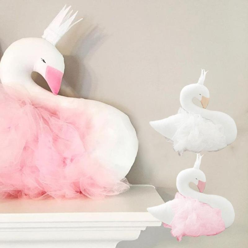 цена Soft baby Swan stuffed & plush toys Beby bedding pillow decorate dolls toy Newborn photo props Brinquedos decoration bebe D3 онлайн в 2017 году