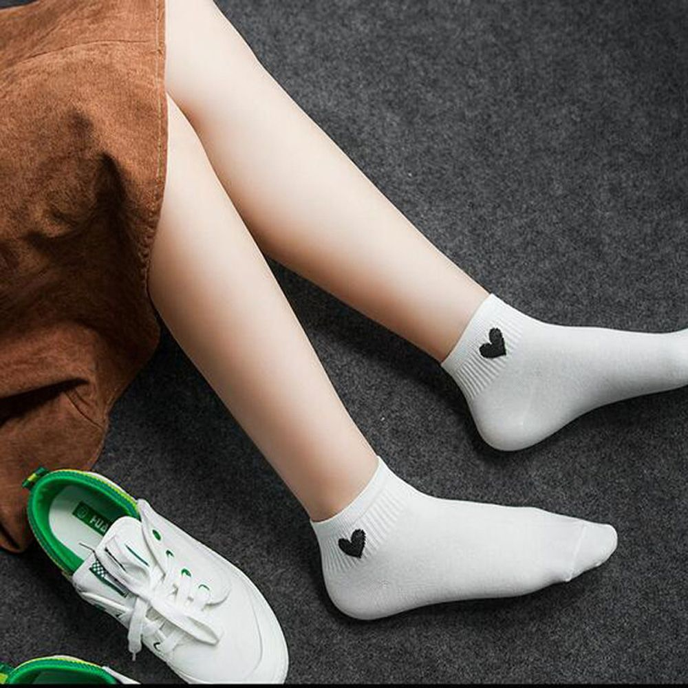 девушки в белых коротких носках фотки всех