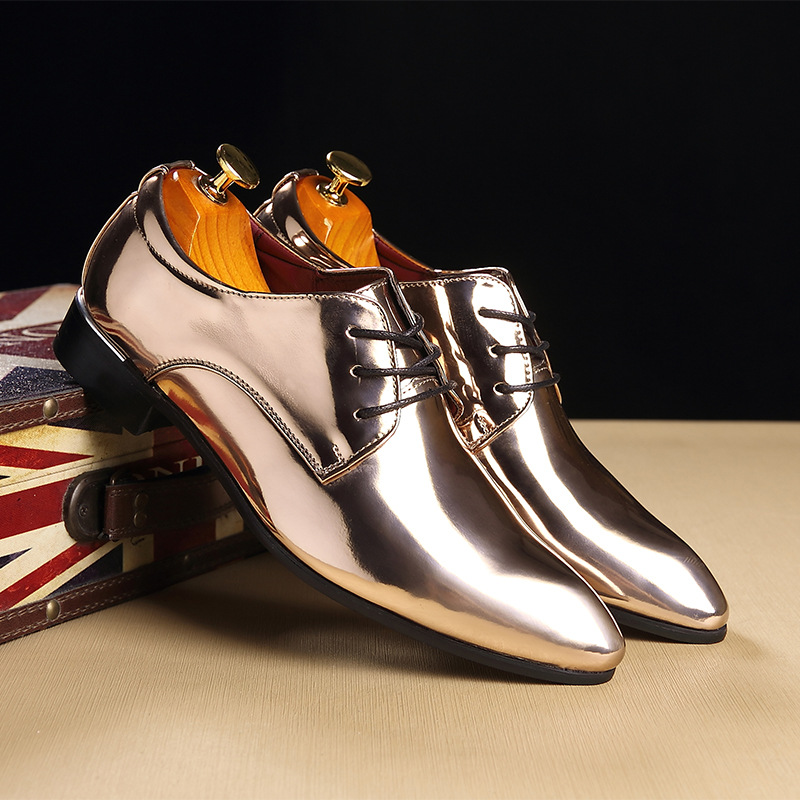 New 2019 Men's Leather Shoes Bright Patent Leather Oxfords Fashion Breathable Men's Banquet Wedding Party Shoes Red Blue Gold 2A