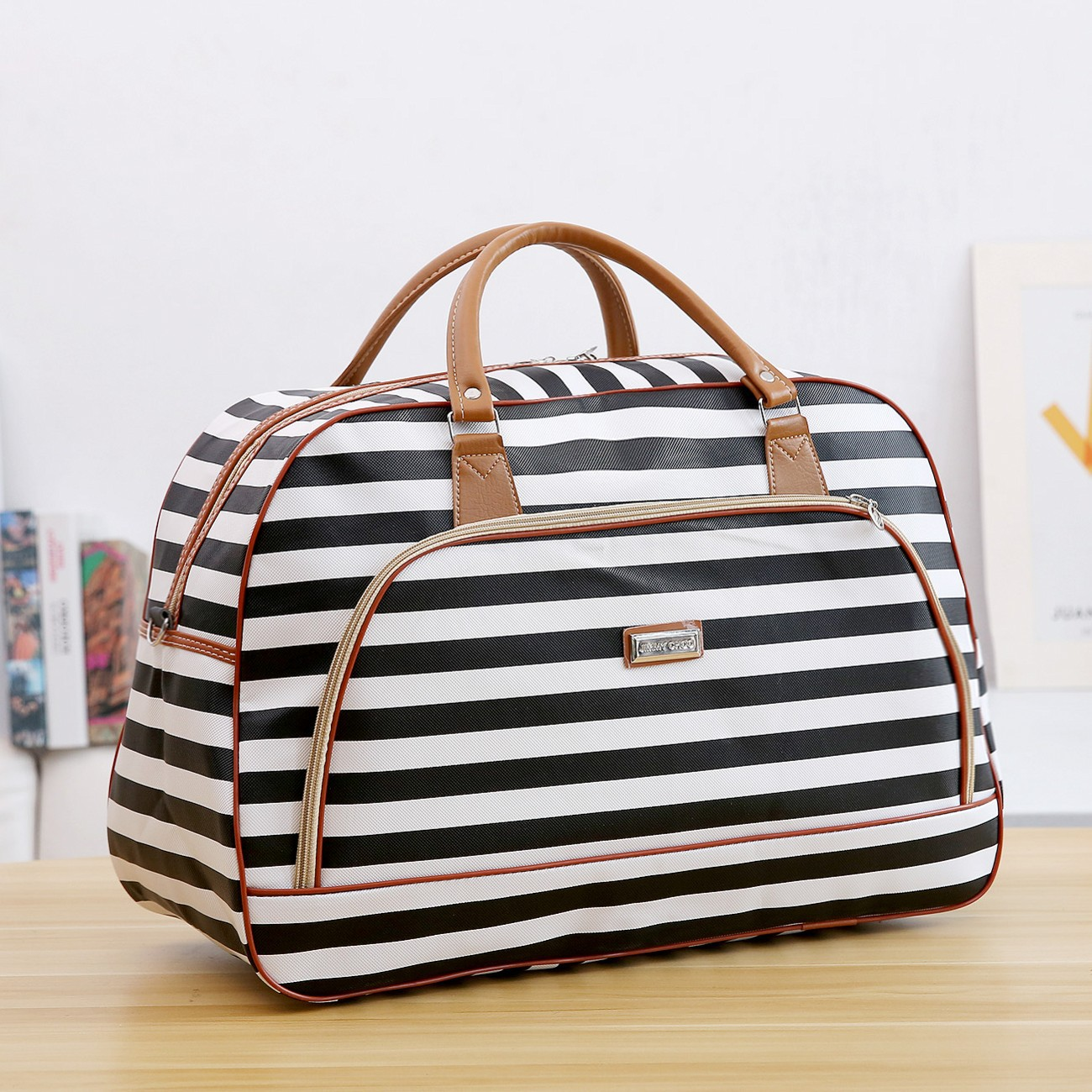 Women Leather Travel Handbags Traveling Luggage Black And White Stripe Duffle Bag Girls Duffle Travel Bag