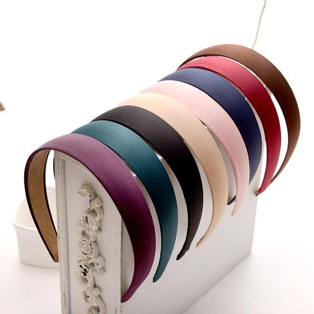 1 PC Plástico quente Da Lona Da Forma Ampla Headband Faixa de Cabelo Headwear Acessórios Para o Cabelo Para A Mulher De Cetim Coberto Hairbands Resina Moldura