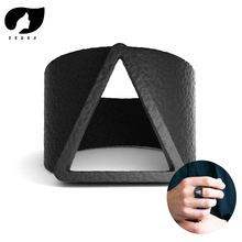 2019 Hot Sale Men Rings Vintage Style Geometric Triangle Finger for Fashion Black Ring men Jewelry Accessories