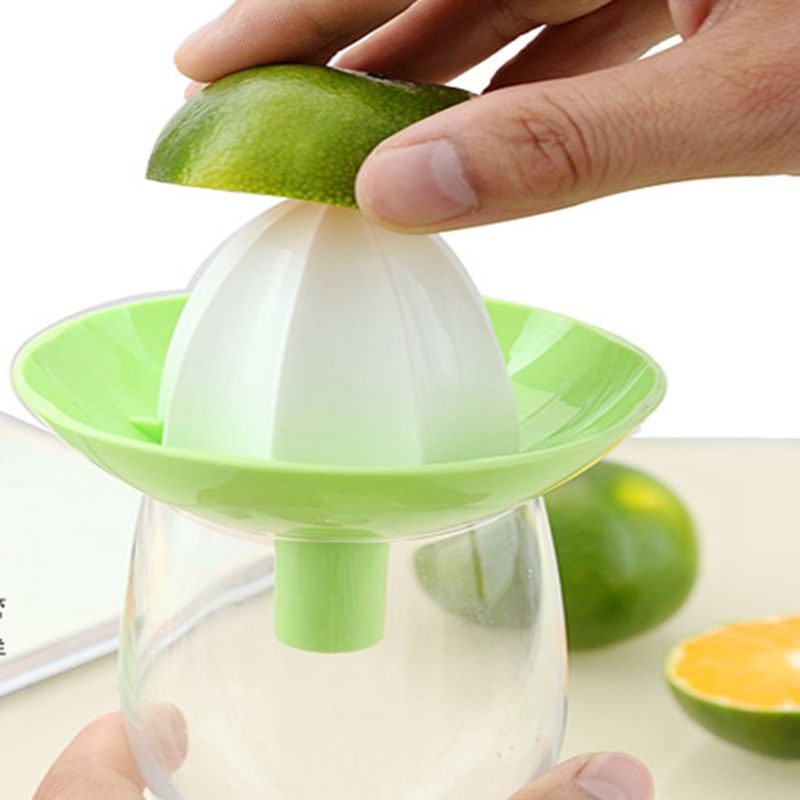 Home travel funnel-shaped mini-convenience juicer save time and health nutrition Random Color
