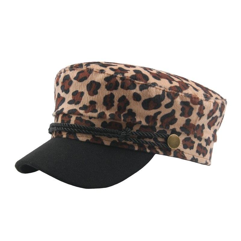Fibonacci 2018 nueva Sexy estampado de leopardo gorra militar de marinero  marino sombrero plano sombreros para las mujeres en Sombreros militares de  ... 0312a639c3b